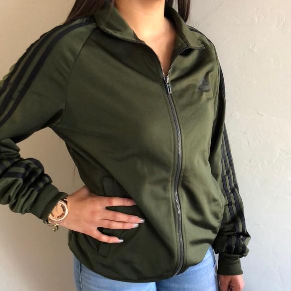 Adidas giacche & cappotti nuovo verde oliva traccia giacca poshmark